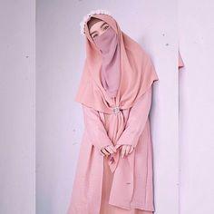 Hijab Chic, Hijab Musulman, Beau Hijab, Hijabi Girl, Girl Hijab, Mode Niqab, Islamic Girl Images, Street Hijab Fashion, Niqab Fashion