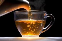 The Incredible Natural Health Benefits Of Black Tea Herbal Remedies, Home Remedies, Natural Remedies, Health Remedies, Apple Tea, Slow Cooker Apples, Doterra Essential Oils, Tea Recipes, Health Recipes