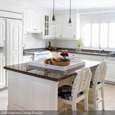 Küche in Schwarz-Weiß #Eckküche www.dyk360-kuechen.de | Küchen in ... | {Kücheninsel landhausstil modern 74}