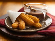 Bisquick Dough Churros - looks easy. Dip the cooked churros in chocolate for the… Homemade Churros Recipe, Churro Recipe, Mexican Pastries, Great Recipes, Favorite Recipes, Mexican Dessert Recipes, Mexican Cakes, Mexican Dinners, Bisquick Recipes
