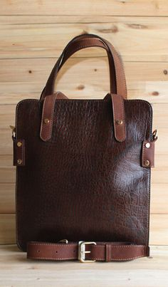 Genuine Leather bag in Brown