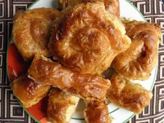 Placinte ca la mama acasa Romanian Food, Romanian Recipes, Chicken Wings, French Toast, Traditional, Meat, Cooking, Breakfast, Kitchen