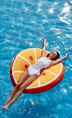 Turn your pool into a virtual punch bowl with our exclusive Fancy Fruit Float. Vacaciones Gif, Summer Fun, Summer Time, Fun Activities To Do, Pool Floats, Foto Pose, Bathing Beauties, Travel Scrapbook, Beach Pictures