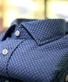 star print. denim shirt. details. style.