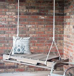 Wooden Pallet Furniture 35 Creative Ways To Recycle Wooden Pallets - In order to provide you with ideas which you can use to make useful stuff if you recycle wooden pallets, we have gathered this collection Pallet Crafts, Diy Pallet Projects, Home Projects, Diy Crafts, Pallet Ideas, Outdoor Projects, Outdoor Ideas, Wooden Pallet Furniture, Wooden Pallets