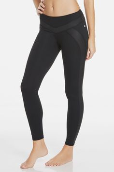 Whether you're in the mood to work out or go out, these liquid black-accented leggings are your best wingwoman. Their all-stretch design is built to move with you from the dance studio to the dance floor. | Provence Legging - Fabletics