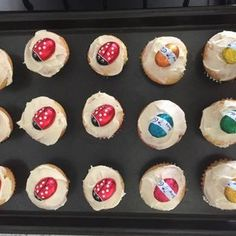 Yummy mini cupcakes, perfect for school lunches or kids parties. Round Cake Pans, Round Cakes, Apple Scones, Apple Custard, Custard Powder, Cake Mixture, Lemon Filling, Cooked Apples, Moist Cakes