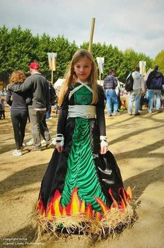 Salem witch Halloween costume - Real Time - Diet, Exercise, Fitness, Finance You for Healthy articles ideas Costume Halloween, Theme Halloween, Halloween 2020, Holidays Halloween, Cool Costumes, Halloween Crafts, Happy Halloween, Halloween Decorations, Best Costume