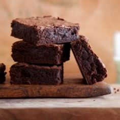 10 of the Best Chocolate Brownie Recipes http://poshonabudget.com/2014/10/10-of-the-best-chocolate-brownie-recipes.html via @poshonabudget