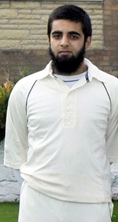 Teenage cricketer, Hashim Akhtar, remains in critical condition after suffering brain haemorrhage during match for Astley Bridge CC. #ICC #Cricket #Indiancricket #news