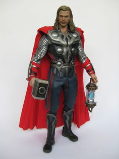 "deSMOnd Collection: Hot Toys ""Thor"" in The Avengers Pt.2"