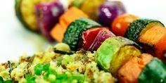 espetinhos de legumes: http://www.superbom.com.br/blog/churrasco-vegetariano-saudavel-e-nutritivo/