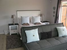 Clarens on Collett and The Clarinet Flat - A newly renovated spacious self-catering house and flatlet, ideal for small groups and families, set in a quiet cul de sac in the Kloof area of Clarens.Clarens on Collett is a three bedroomed holiday .