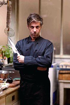 """CINEMA: Birol Ünel, Schauspieler, hier als Chef Shayn in """"Soul Kitchen"""", Komödie vom Regisseur Fatih Akin (2009)."""