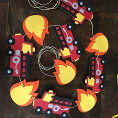 ideas fire truck birthday party banner for 2019 Fireman Party, Firefighter Birthday, Firefighter Baby Showers, Fireman Sam, 3rd Birthday Parties, Boy Birthday, Cake Birthday, Themed Parties, Fire Truck Craft