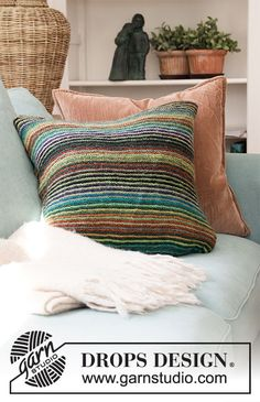 Autumn Lines - Knitted cushion cover with garter stitch and stripes in DROPS Delight. Fits cushion size cm = 19 - Free pattern by DROPS Design Knitted Cushion Covers, Knitted Cushions, Cat Cushion, Striped Cushions, Drops Design, Knitting Patterns Free, Knit Patterns, Free Knitting, Pillow Patterns