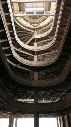 Torino Lingotto Carramp Architekt: Giacomo Mattè-Trucco Expansion/Renewal Renzo Piano