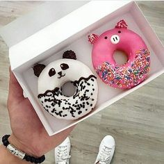 donuts, food, and panda image Mini Donuts, Cute Donuts, Doughnuts, Delicious Donuts, Delicious Desserts, Yummy Food, Donut Bar, Donut Shop, Cute Baking