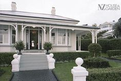 Ideas For House Facade Design Australia Colour Schemes Exterior Color Schemes, House Color Schemes, Exterior Paint Colors, Exterior House Colors, Paint Colours, Colour Schemes, Style At Home, Weatherboard Exterior, Front Steps