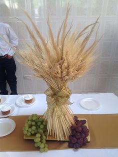 ~ 9 Stunning Fall Wedding Centerpiece Ideas for wheat bundle wedding table deco… Baptism Party Decorations, Church Altar Decorations, First Communion Decorations, Table Decorations, Balloon Decorations, Holy Communion Cakes, Boys First Communion, First Communion Favors, Communion Centerpieces