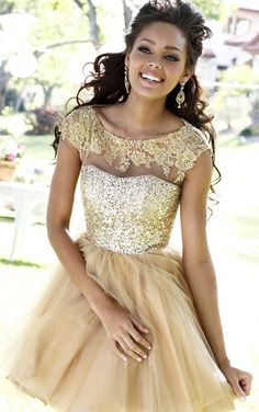 Sequin Applique Top Nude Short Lace Homecoming Dress