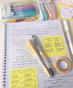 It might be really helpful to use Post-It Notes to emphasize certain parts of a lecture or subject. College Notes, School Notes, Math School, College School, Muji Pens, Study Organization, School Organisation, Study Board, Bullet Journal Notes