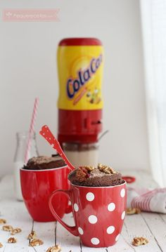 Mug Cake de Cola Cao, ¡el más fácil y rico! , Aprende a hacer un Mug Cake de Cola Cao o bizcocho en taza al microondas ¡en 5 minutos! Los mugcakes son la mejor forma de preparar un bizcocho en minutos.