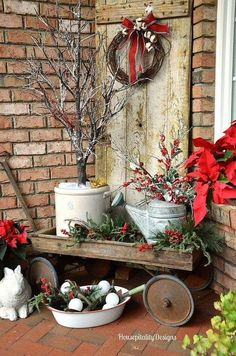 A lot of country themed home are most likely to go for country Christmas decorations. Of course, country Christmas decorations … Noel Christmas, Rustic Christmas, Modern Christmas, Christmas Front Porches, Christmas Porch Ideas, Christmas Parties, Christmas Garden, Christmas Ornaments, Christmas Island