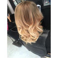 Ombré baylage blonde brown short medium length hair curly shoulder