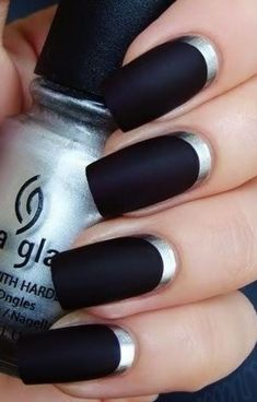 Black and silver matte #nails