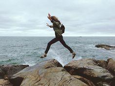 """""""Les jambes des femmes sont des compas qui arpentent le globe terrestre en tout sens, lui donnant son équilibre et son harmonie."""" ~ François Truffaut"""