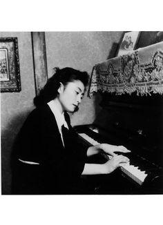 - yoko ono , 1949