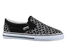 Tarmax SC7724AC Black/Grey Let sko fra Tarmax til de store drenge. Skoen er perfekt både til inden- og udendørsbrug, og er med sit tekstil upper fint åndbart. Elastikslidserne i siden holder skoen tæt til foden, som gør den anvendelig til leg mv. Med Tarmax for man praktisk design til lavpris.