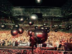 Matt Bellamy playing with a enormous ball!
