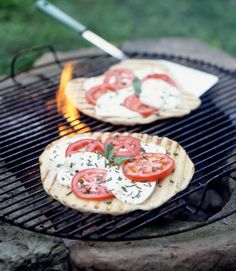 Grilled Tomato and Basil Pizzas
