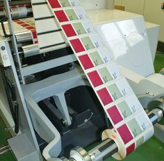 Nilpeter FA-4 con sistema  Digital CASLON, única en España. CASLON combina la impresión  digital de alta calidad con impresión  flexográfica.