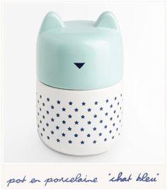 * Chat bleu
