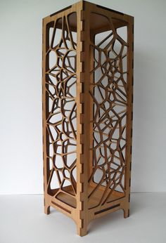 Lasercut Voronoi Tesselation Lamp - http://lasercuttingworkindelhi.wordpress.com/ We provide all types of laser…