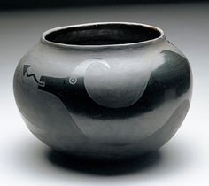 Julian and Maria Martinez / 1880 one of the earliest black mirror pots./ New Mexico USA