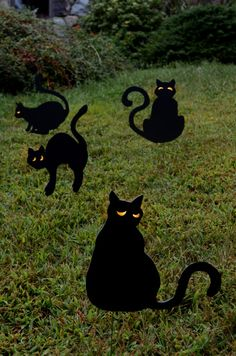 halloween yard decor creepy black cats httpwwwhgtvgardens diy halloween decorationshalloween - Diy Halloween Yard Decorations