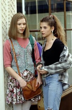"""My So-Called Life (aka the inspiration for the """"my so-called fashion"""" board) // lots of """"great"""" 90's """"fashion"""" pics here... #1990fashion #90SFashionTrends"""