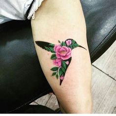Humming bird with roses tattoo roses tattoos, lillies tattoo Mom Tattoos, Body Art Tattoos, Small Tattoos, Tattoos For Women, Tatoos, Sleeve Tattoos, Pretty Tattoos, Beautiful Tattoos, Beautiful Beautiful