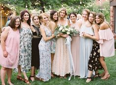 12 Unconventional Ways to Style Your Bridesmaids | http://www.bridestory.com/blog/12-unconventional-ways-to-style-your-bridesmaids
