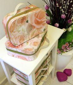 Dámský kufřík Kazeto se zipem / Lady´s zippered suitcase #Kazeto Suitcase, Chair, Lady, Furniture, Home Decor, Decoration Home, Room Decor, Home Furnishings, Stool
