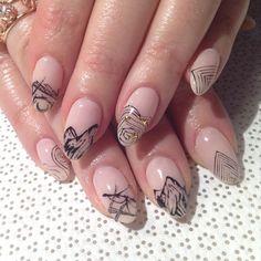 @mikutsutaya #TAROT #nailart #handpainted #gelnail #vanityprojects  (at Vanity Projects)