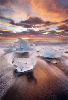 Fire & Ice, Sunrise beach, Breiðamerkursandur, Iceland