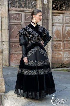 Folk Costume, Costumes, Spanish Costume, Ukraine, Europe Fashion, Bad Girl Aesthetic, Historical Costume, Jewelry Art, Beautiful People