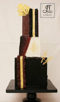 Cake Inspired by a David August suit, worn by Chris Hemsworth in 2014