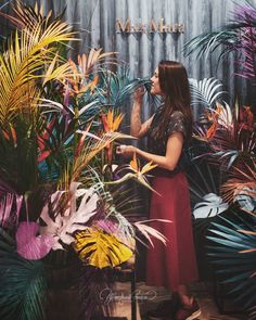 Фотозона для #MaxMara @fashiongallery_nsk от @floral_style  Презентация новой коллекции #TropicalModern 🌴