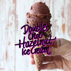 Glace double chocolat. (Rich, easy, creamy Nutella ice-cream) (https://www.tastemade.com/shows/the-scran-line/double-choc-hazelnut-ice-cream)
